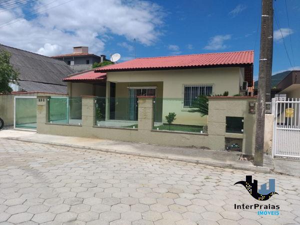 Casa à venda  no Balneário Pereque - Porto Belo, SC. Imóveis